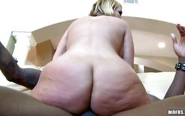 Milf Mellanie Monroe is ambitious and enjoys riding a large pecker