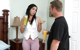 Sex appeal Rozita pleasures her male