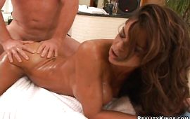 Topnotch brown-haired Hunter Bryce has her skinny cookie deeply plowed