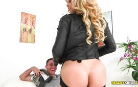 Mischievous girlie Nikki Capone cheerfully suggests her poontang for fucking