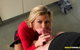 Inviting older Nina Dolci wants to feel man's large hard meat member