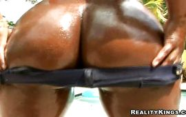 Sultry mature black Candy and fuckmate are mad to have steamy sex as soon as possible