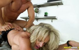 Sinful mature Raquel Sultra wants a massive dink in her mouth
