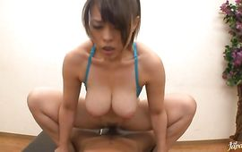 Ribald Reiko Nakamori puts a meat in her wet and hawt mouth