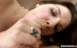 Cheerful mature floozy Bobbi Starr fucking the fuckmate previous to her broke man