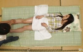 Fascinating lady Rika Araki loves to play with large dinky