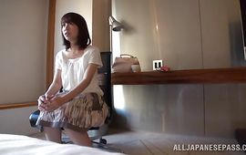 Cheerful mature Yuki Mizuhoshi swallows a massive joystick