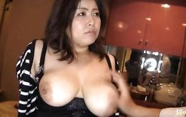 Alluring mature lady Azusa Omori with great tits enjoys a cock sucking delight