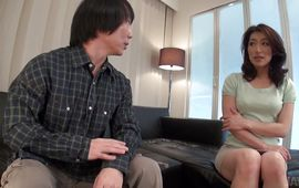 Captivating mature Marina Matsumoto gets cum in her mouth after slit and oral-stimulation