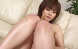 Marvelous big titted sweetie Rio Kurusu has her poontang expertly played with