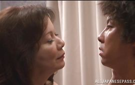Angelic bosomed Chizuru Iwasaki can't keep herself from fucking hung stranger