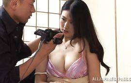 Stupefying housewife Risa Murakami with impressive tits spreads her legs for impressive fuckmate