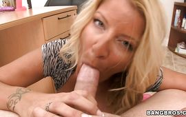 Tasty blond Robbye Bentley moans as she's fucked hard
