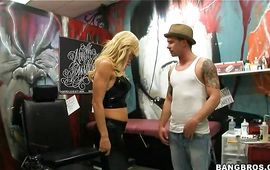 Shameless older Amber Lynn has a fuck session with her stylish