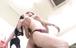 Charming girlfriend Hitomi Oohashi enjoys having her tasty fanny satisfied