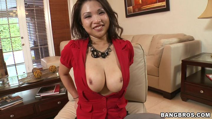 Gorgeous mature nipponese Alexis Lee can't live without to have sex early in the morning previous to getting ready for work