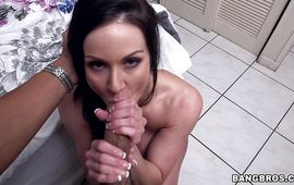 Alluring mature Kendra Lust with his stiff beef bayonet the raw hard way
