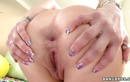 Lovable brunette Rachel Roxxx gave a oral pleasure to hunk and enjoyed as much as he did