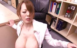 Breathtaking busty Hitomi Tanaka knows her nana is more excellent than a fake one