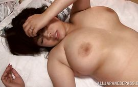 Overwhelming honey Rin Aoki is getting fucked in the wet pie while lying