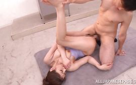 Voluptuous Hina Akiyoshi engages in mutual oral-sex with a total mate