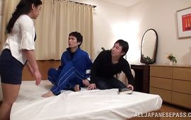 Lascivious housewife is about to have a hardcore sex adventure with lover she just met