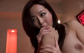Inviting girlie Kaori with great mambos carefully gets screwed but enjoys it regardless