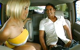 Agreeable blond Carmella Bing had to suck a fang and to spread her legs for him