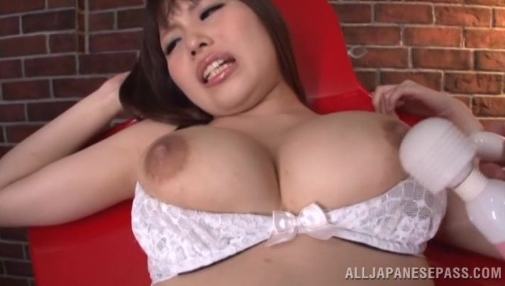 Charming bosomed gf Rion Nishikawa could not hold back from spreading her legs wide open to get fucked good