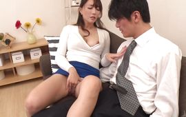 Lovable mature darling Kotone Kuroki rides a biggest python
